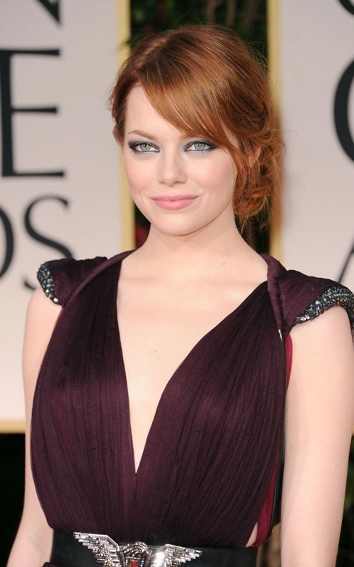 golden-globes-2012-emma-stone-look-01