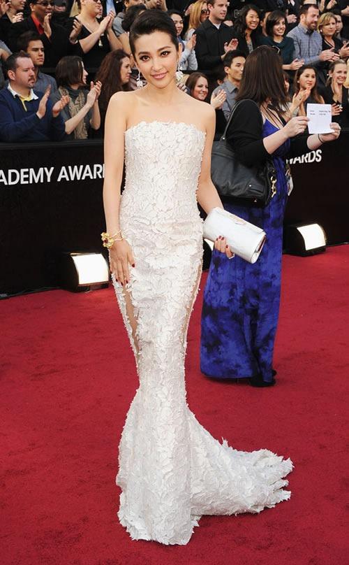 Bingbing-Li-vestido-alfombra-roja-Oscar-2012-1