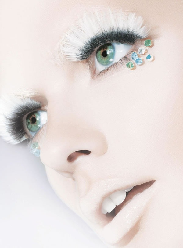 Calendario-Maybelline-2012-Julia-Stegner-1