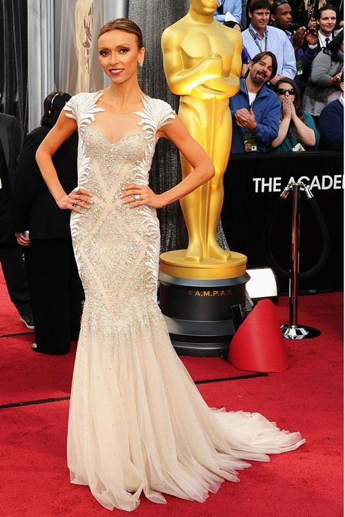 Giuliana-Rancic-vestido-alfombra-roja-Oscar-2012