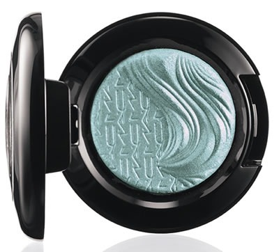 Glamour-Daze-MAC-Cosmetics-Extra-Dimension-Eye-Shadow-Divine-Blue