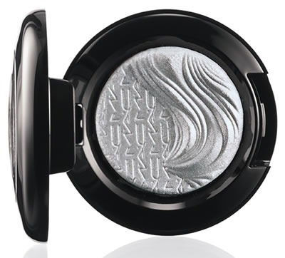 Glamour-Daze-MAC-Cosmetics-Extra-Dimension-Eye-Shadow-Evening-Grey