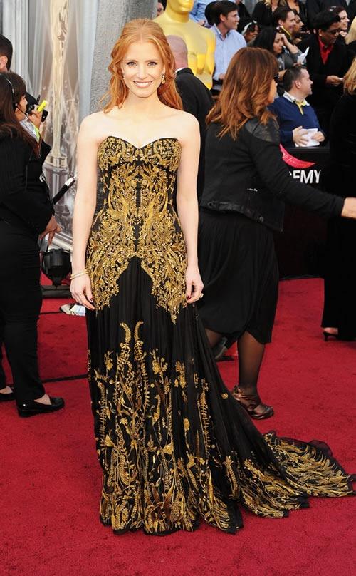 Jessica-Chastain-vestido-alfombra-roja-Oscar-2012