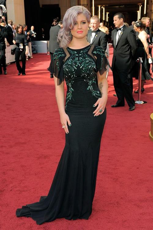 Kelly-Osbourne-vestido-alfombra-roja-Oscar-2012