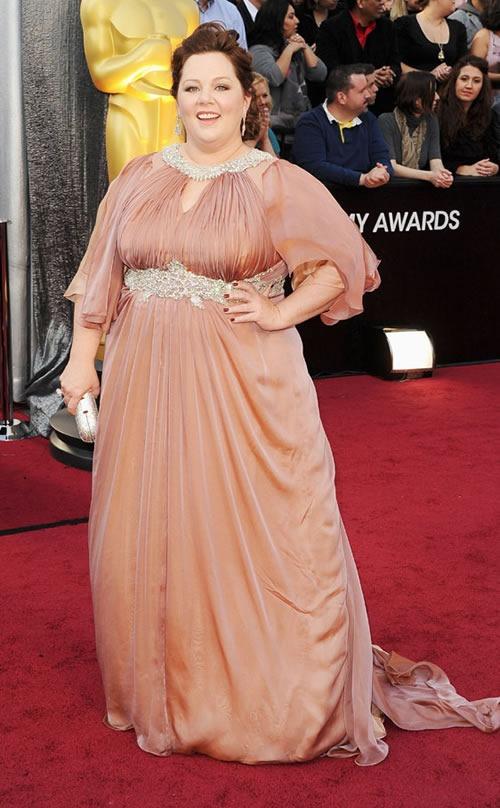 Melissa-McCarthy-vestido-alfombra-roja-Oscar-2012