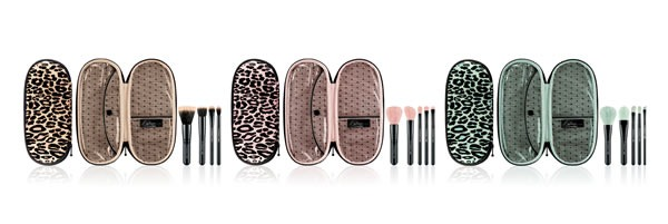 Primped-Out-Perfectly-Plush-Brush-Holiday-Kit-Mineralize-Advanced-Essential-MAC-Cosmetics-Brochas