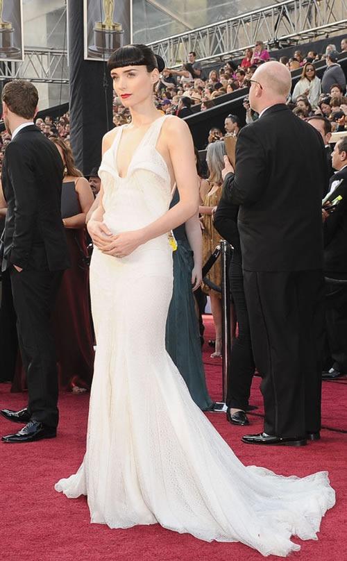 Rooney-Mara-vestido-alfombra-roja-Oscar-2012