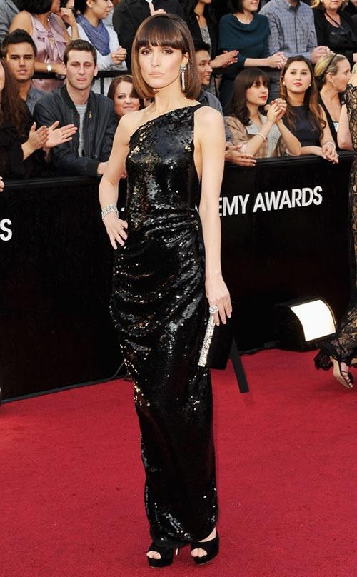 Rose-Byrne-vestido-alfombra-roja-Oscar-2012