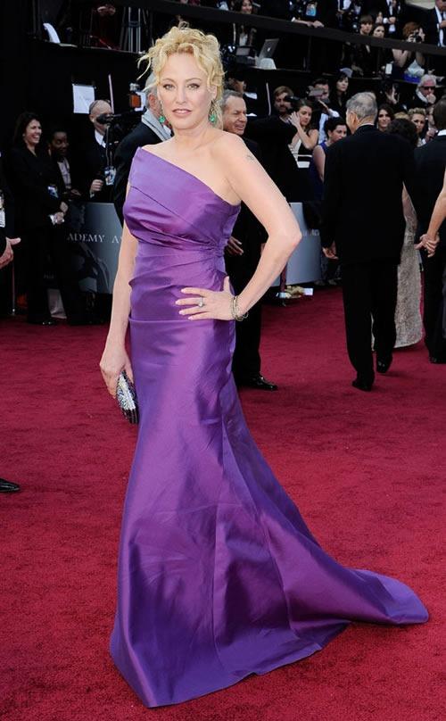 Virginia-Madsen-vestido-alfombra-roja-Oscar-2012