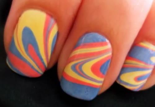 diseno-de-unas-water-marble-nail-art