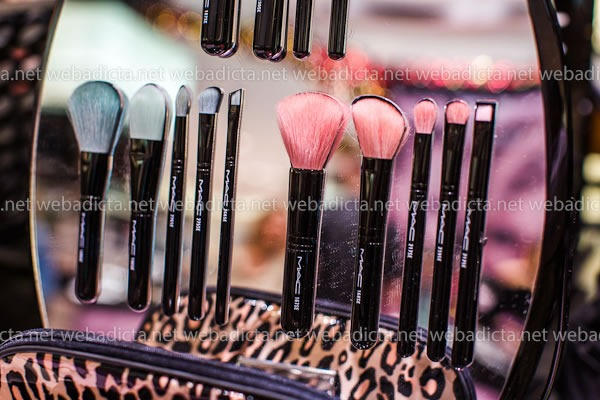 mac-cosmetics-kit-brochas-pinceles-perfectly-plush-brush-kit-advanced-essential
