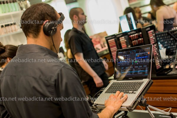 evento-mac-cosmetics-glamour-daze-dj
