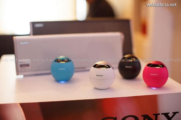 parlantes portátiles Sony SRS-BTV5 con tecnología NFC y Bluetooth