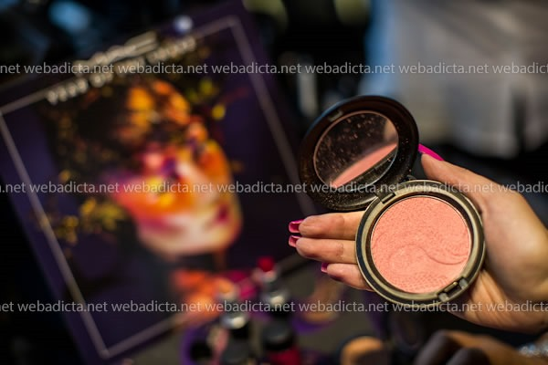 MAC Year of the Snake Beauty Powder Shell Pearl