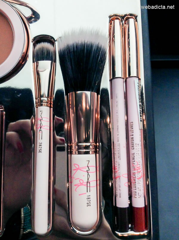 RiRi Hearts MAC 282SE Duo Fibre Shader Brush y RiRi Hearts MAC 187SE Duo Fibre Face Brush