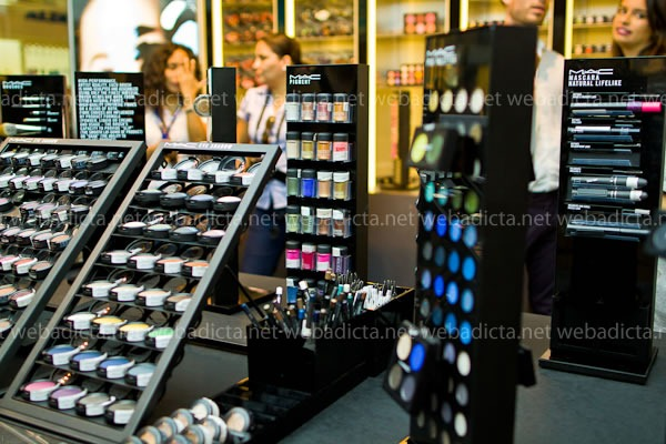 make-a-face-inauguracion-tienda-mac-cosmetics-plaza-san-miguel-15