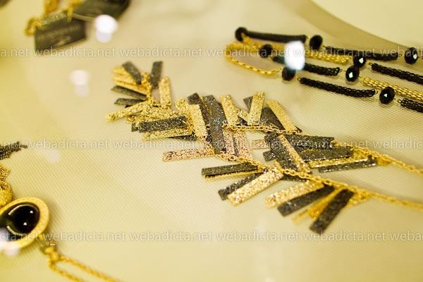 moda-y-cia-coleccion-invierno-2012-17