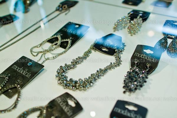 moda-y-cia-coleccion-invierno-2012-40