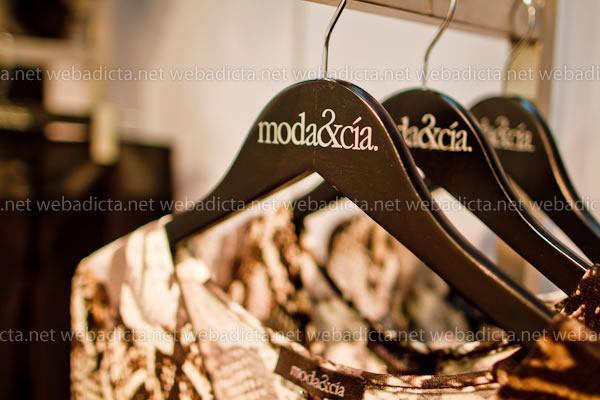 moda-y-cia-coleccion-invierno-2012-68