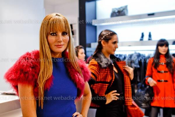 moda-y-cia-coleccion-invierno-2012-75