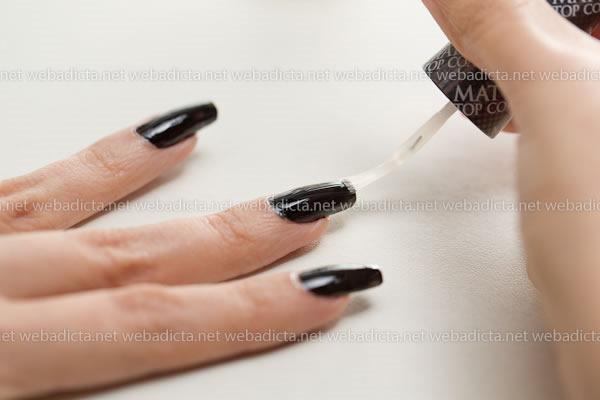 review-opi-matte-top-coat-esmalte-negro